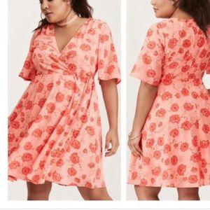 16 W torrid georgette wrap dress